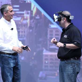 Krzanich and Raymond showing Project Alloy on the first day of the Intel Developer Forum 2016. Credit: Intel