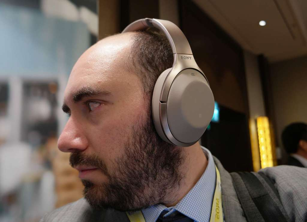 sony-mdr-1000x-ifa-2016-11-hands-on