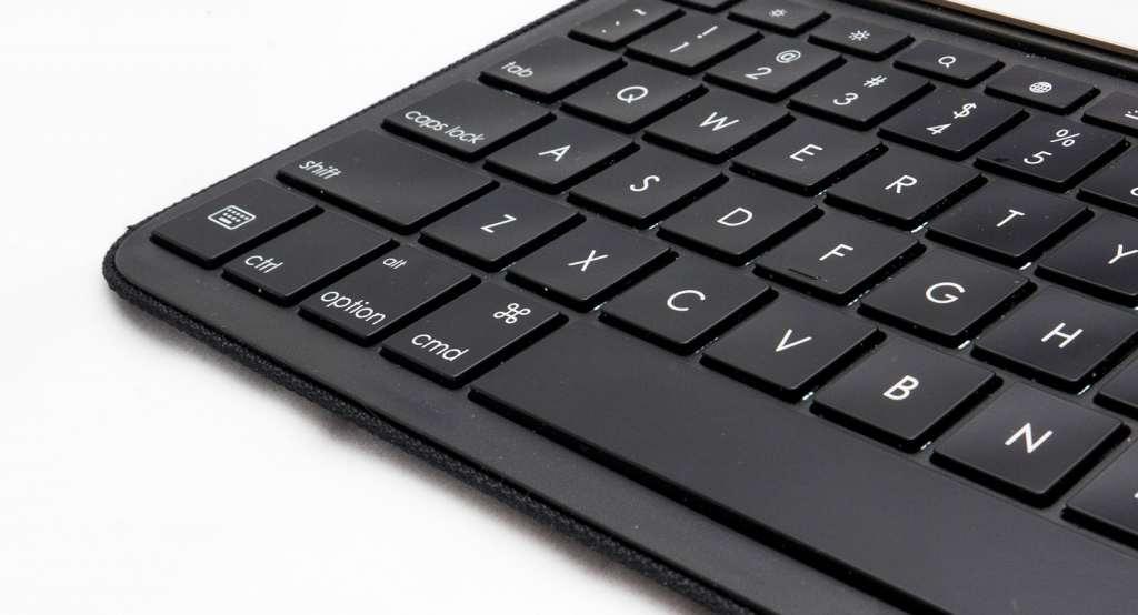 logitech-logi-create-ipad-pro-keyboard-case-9-7-review-2016-17
