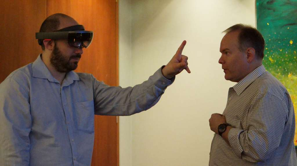 microsoft-hololens-2016-hands-on-heads-on-04