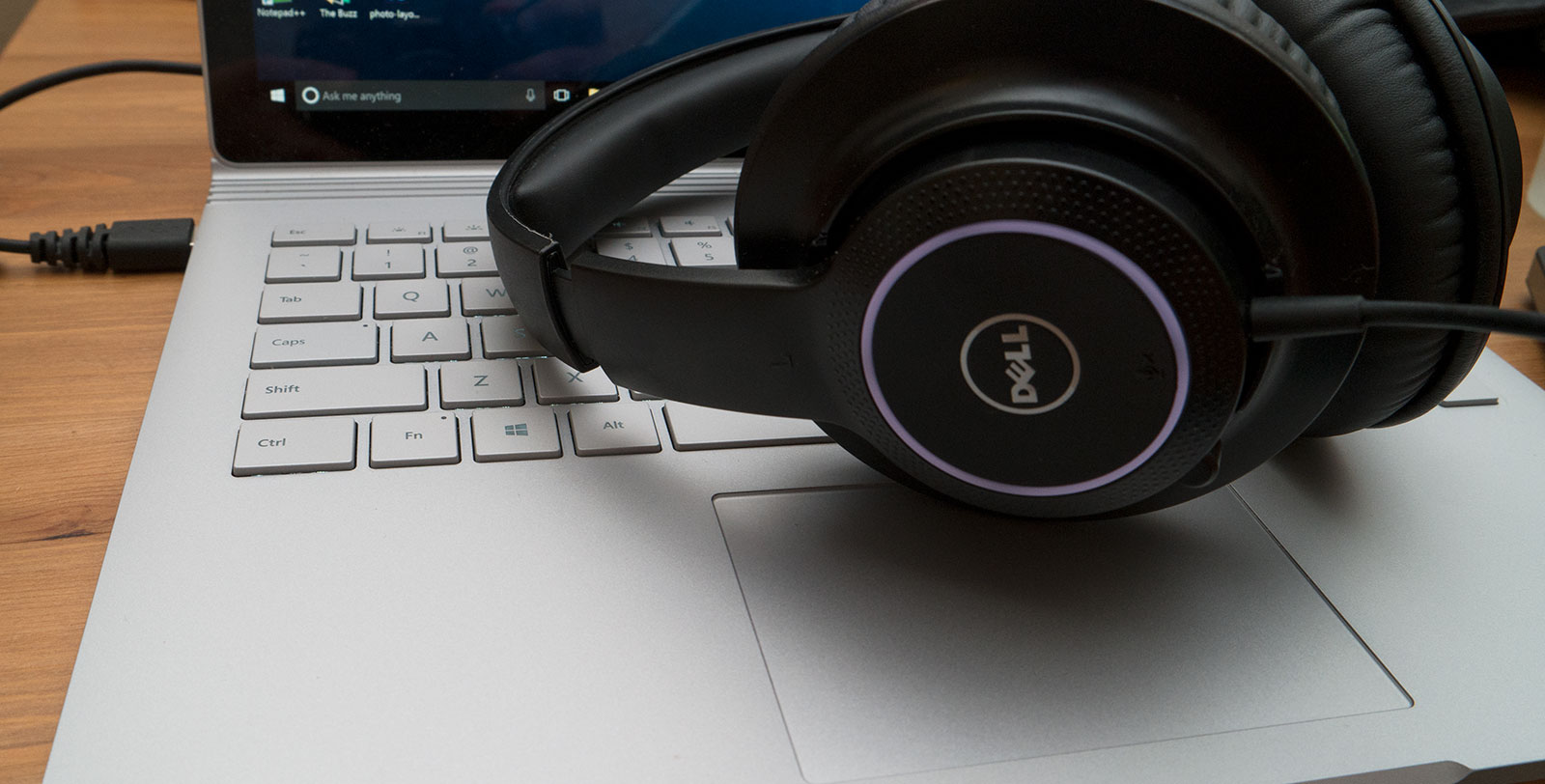 Review: Dell AE2 Performance Headset – Pickr