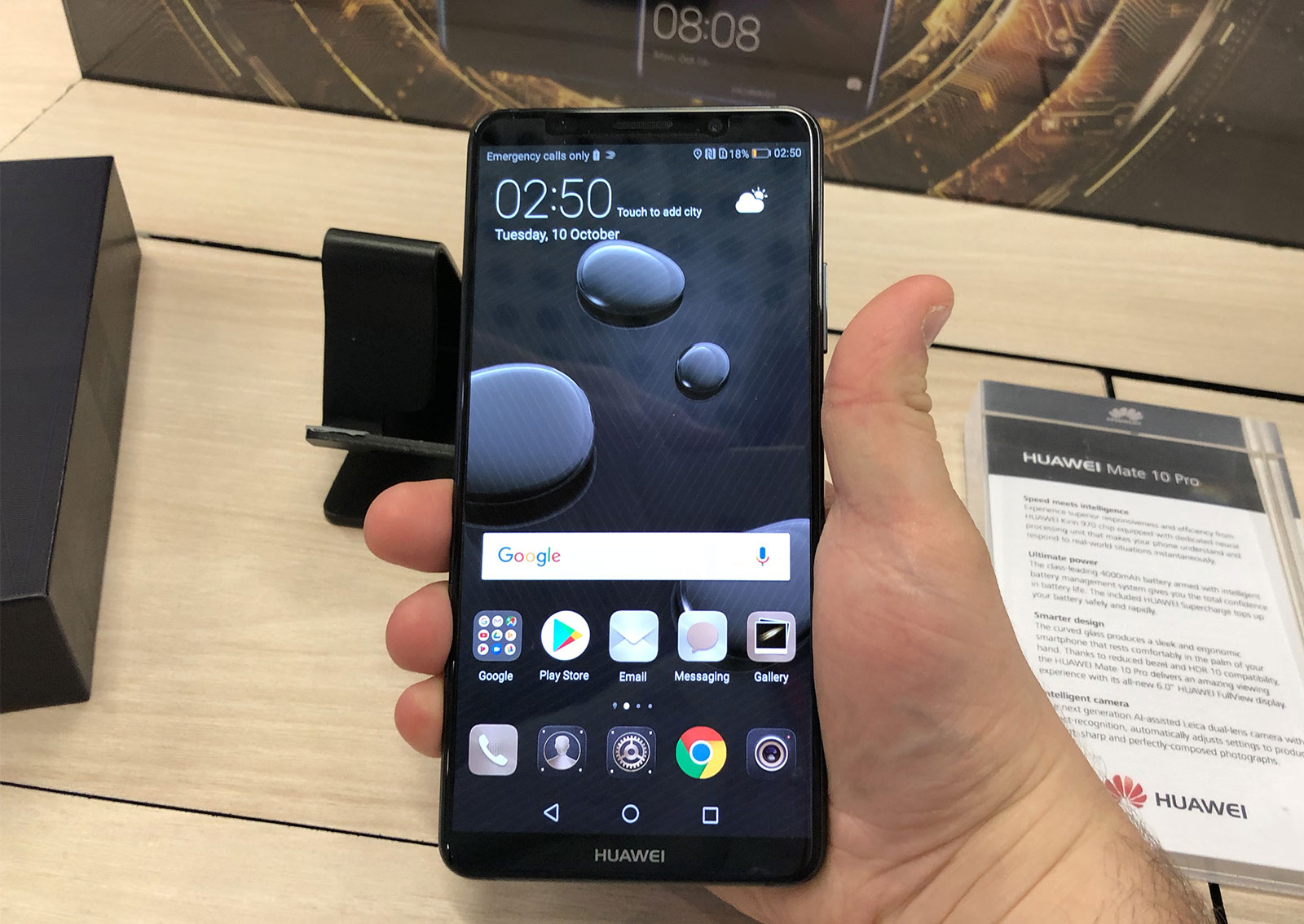 Huawei doubles attack on big phones with Mate 10, Mate 10