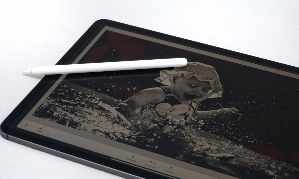 Masking photos with the 2018 Apple iPad Pro 12.9 and the Apple Pencil