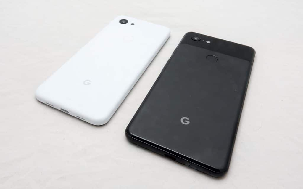 Google Pixel 3a (left) next to the Pixel 3 XL (right)