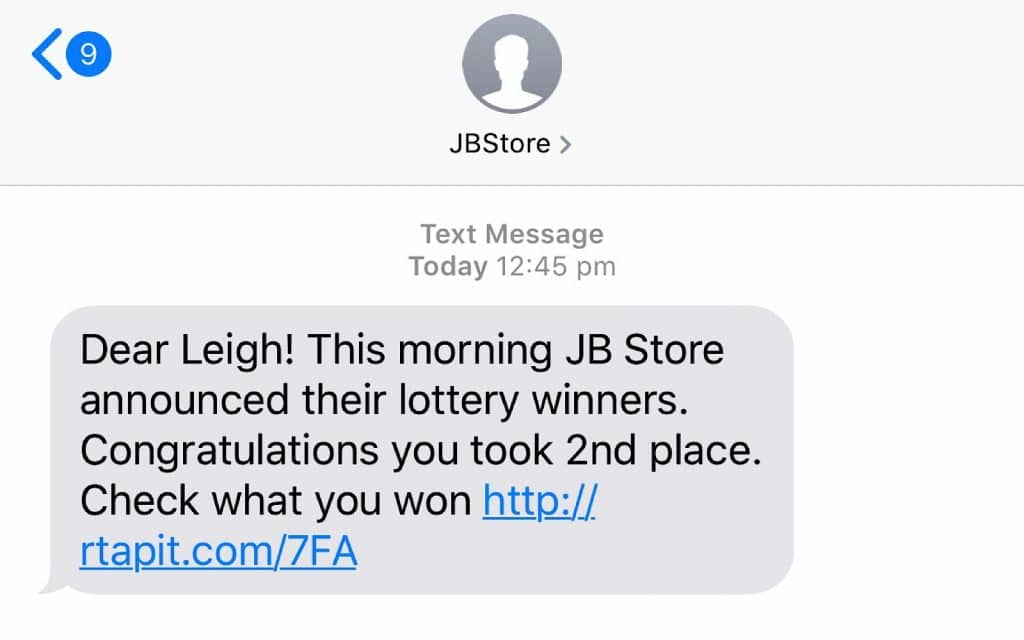 Is this SMS real? No... it's clearly a scam.