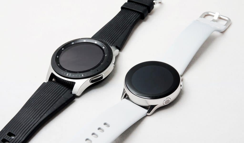 Samsung Galaxy Watch (left) next to the Galaxy Watch Active (right)