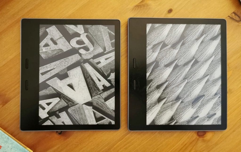 2019 Kindle Oasis (left) next to 2017 Kindle Oasis (right)