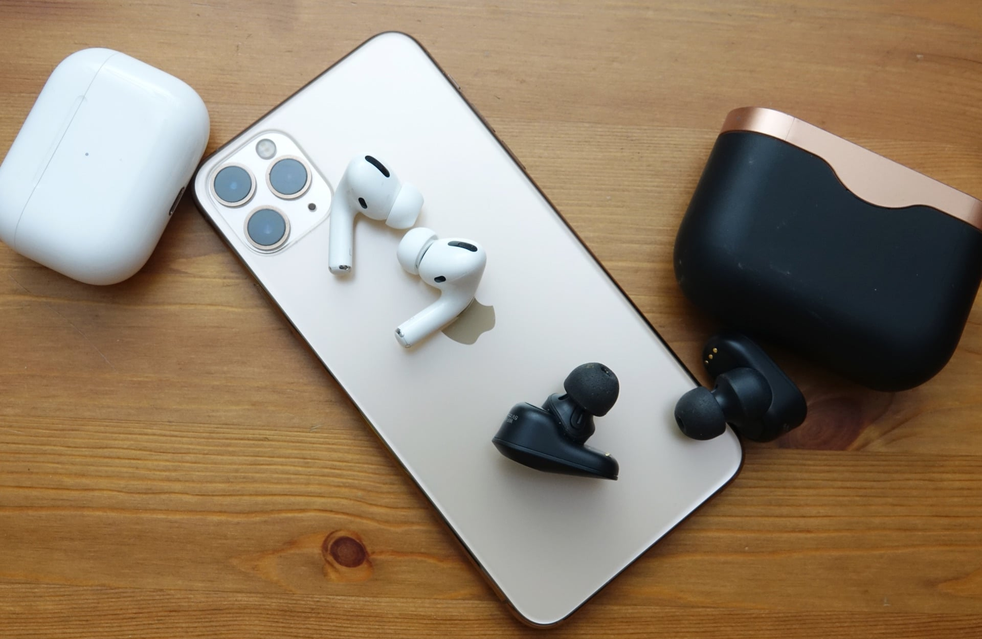 Apple AirPods Pro vs Sony WF-1000XM3