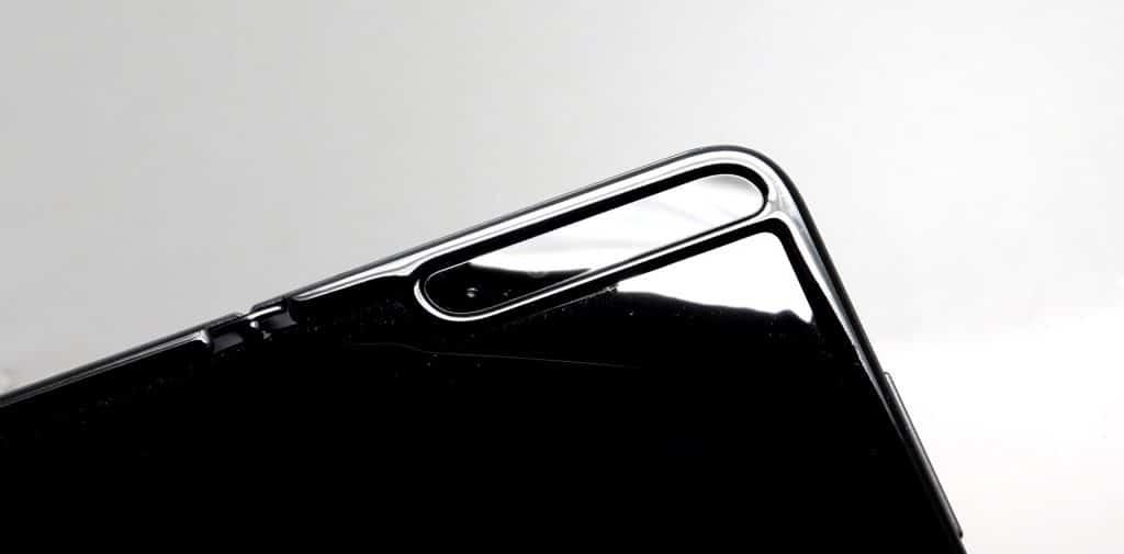 A scratch on the Samsung Galaxy Fold