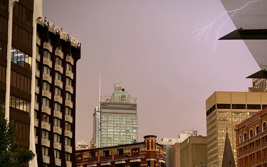How to capture lightning on an iPhone