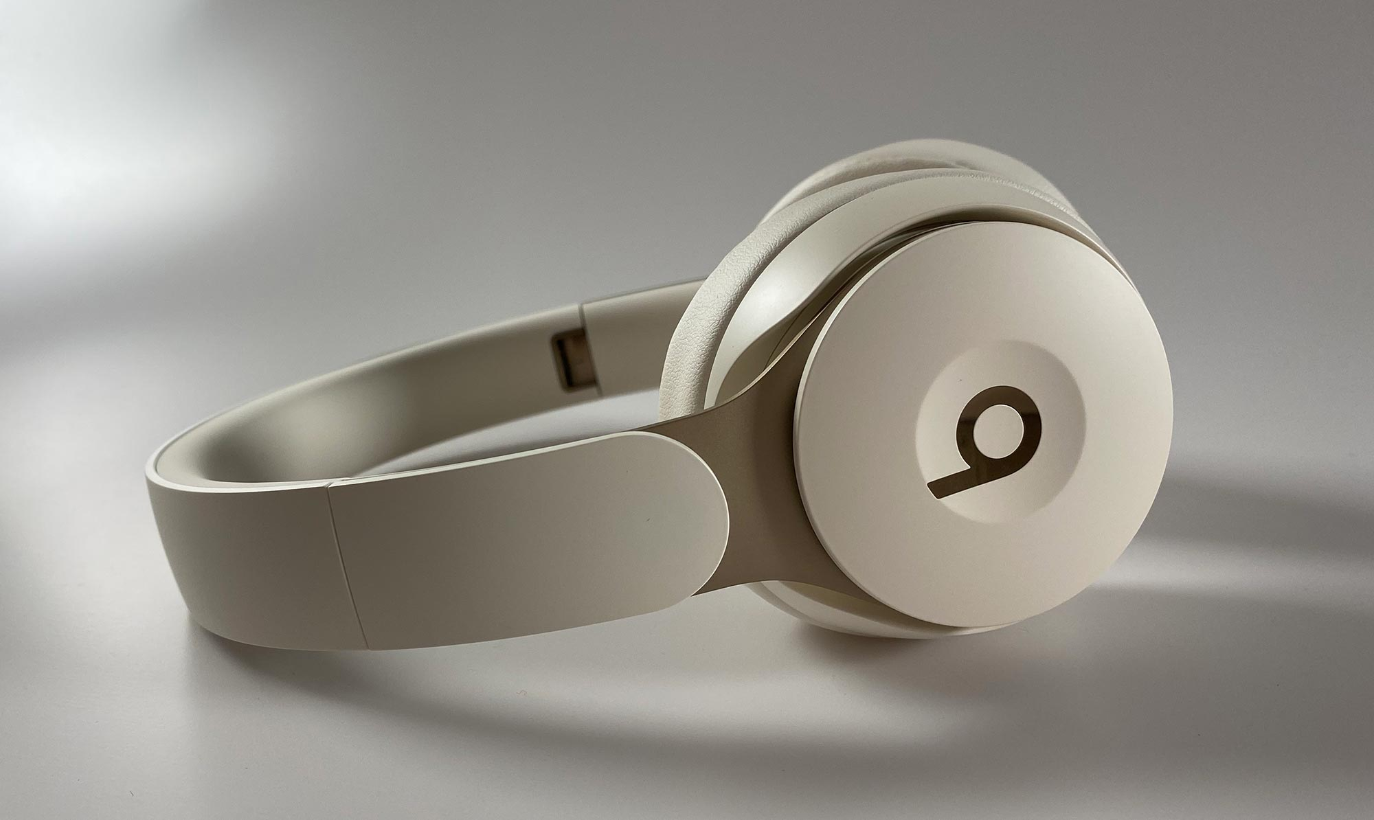 Review Beats Solo Pro Wireless Noise Cancelling Headphones Pickr
