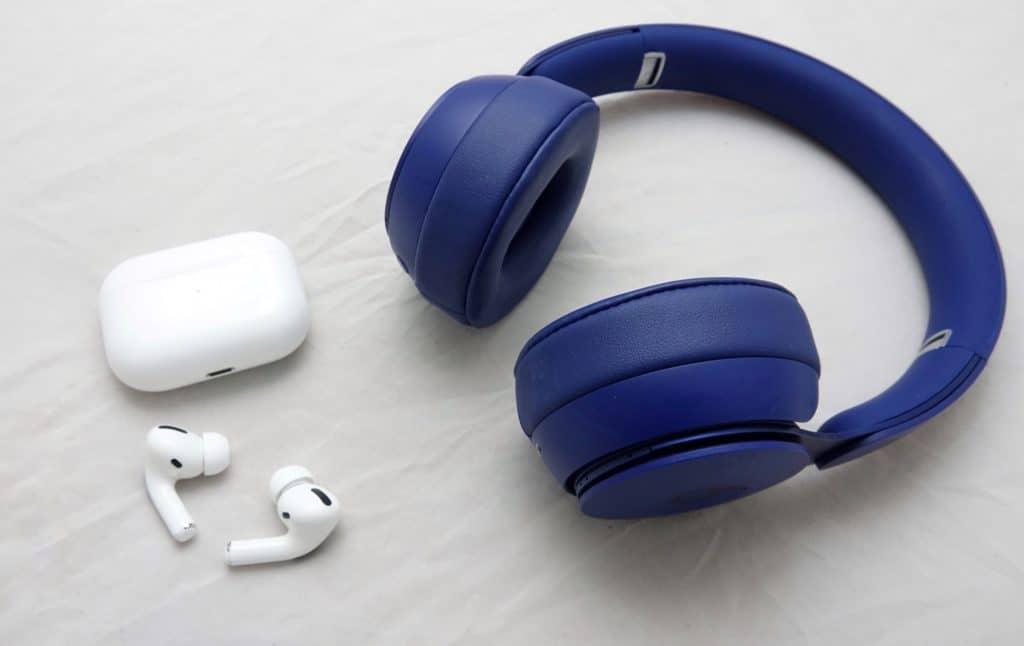 Apple AirPods Pro vs Beats Solo Pro