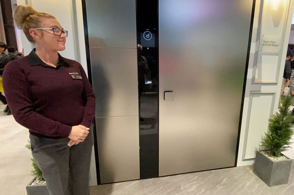LG Smart Door at CES 2020