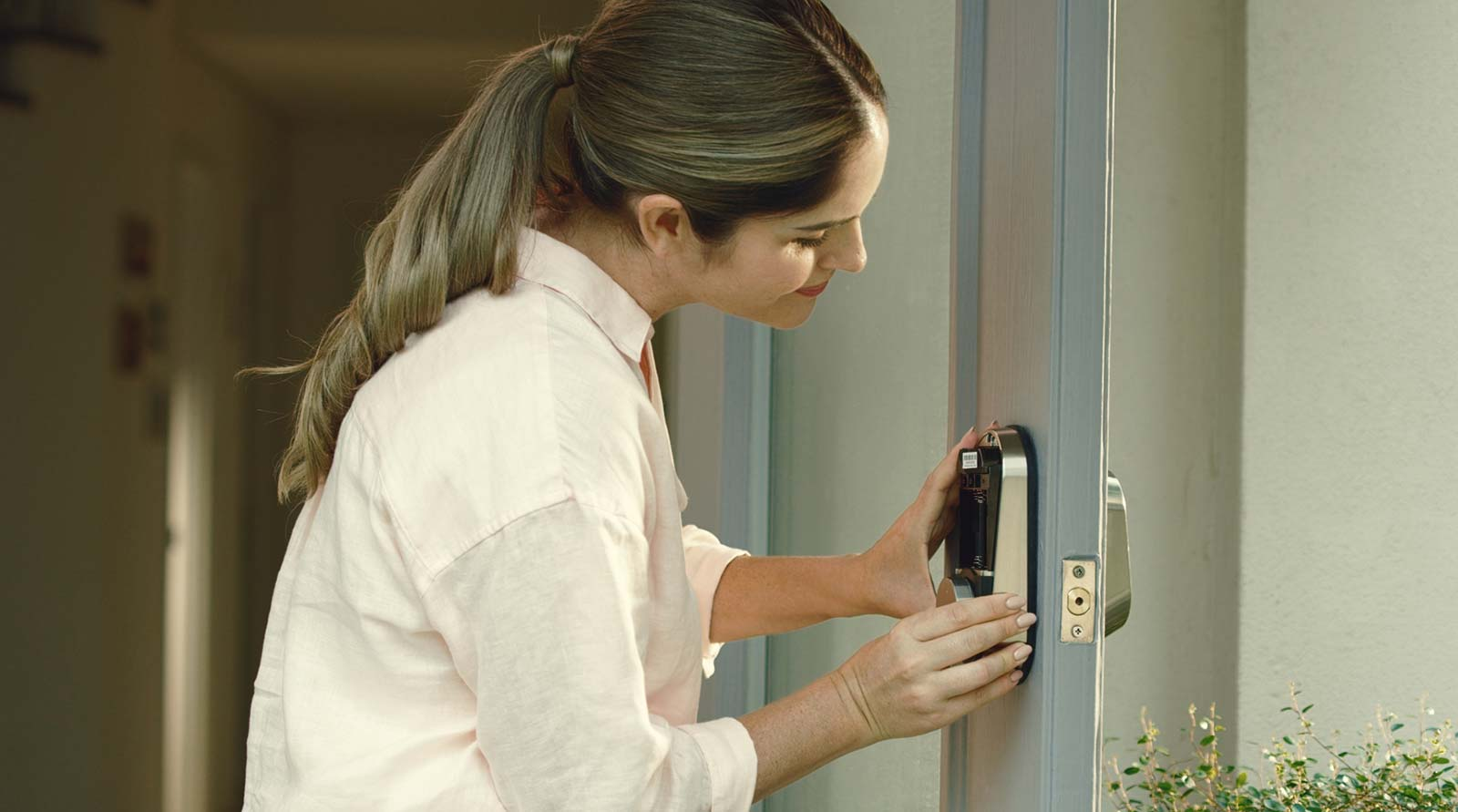 Fitting the Samsung A30 smart lock