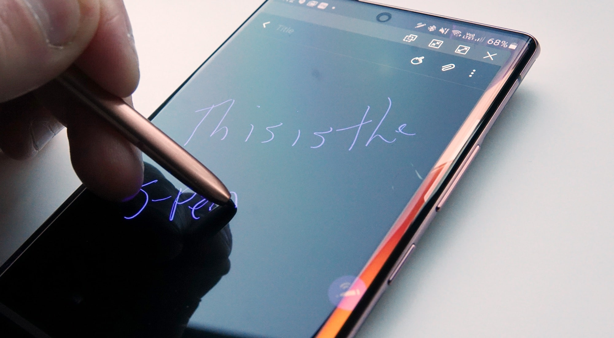 Writing on the Samsung Galaxy Note 20 Ultra