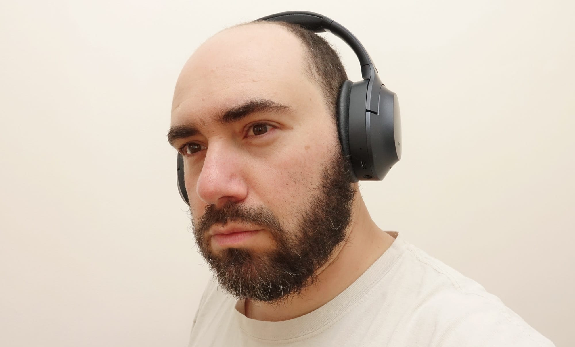 Trying out the Razer Opus headphones