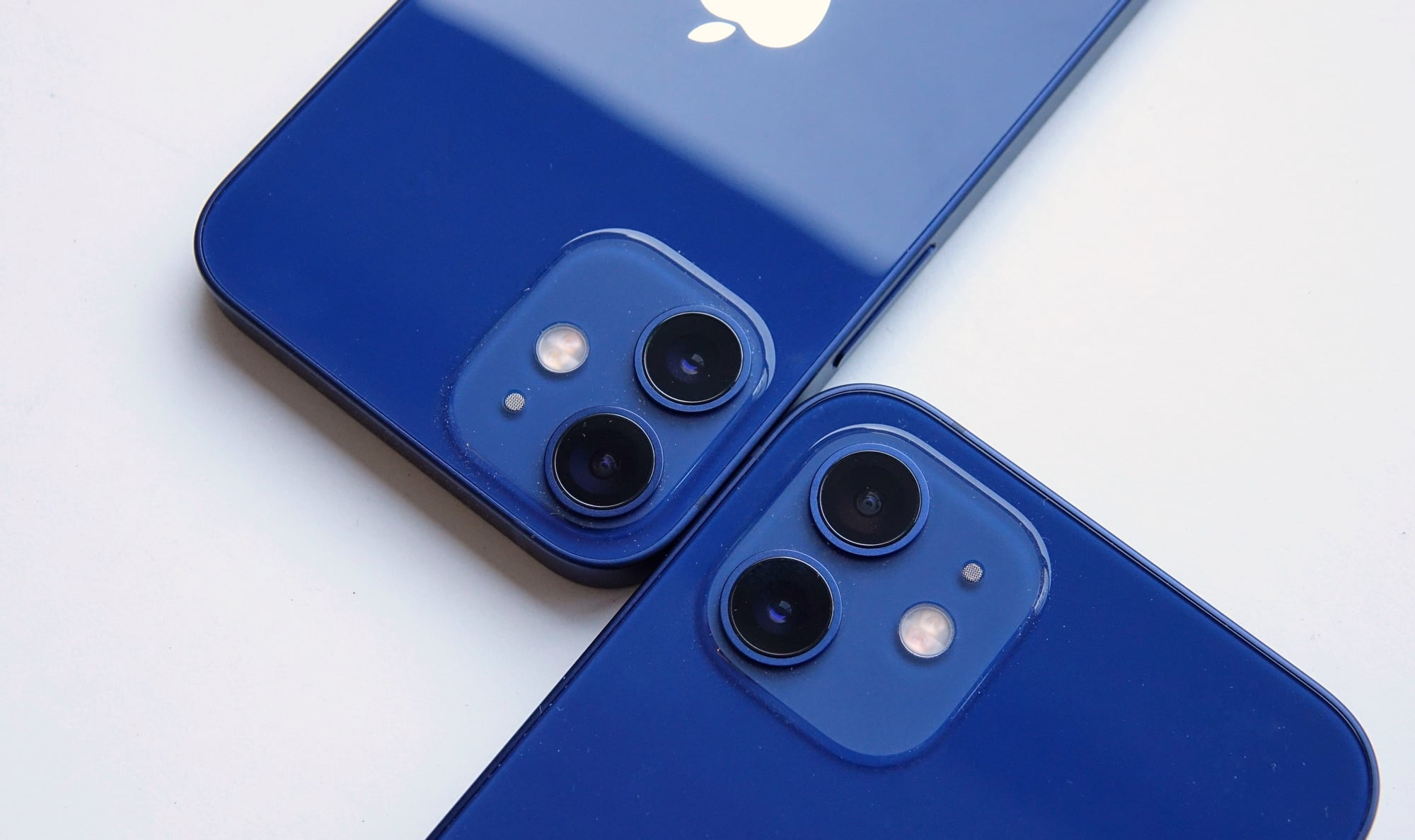 iPhone 12 Mini camera (left) next to the iPhone 12 camera (right)