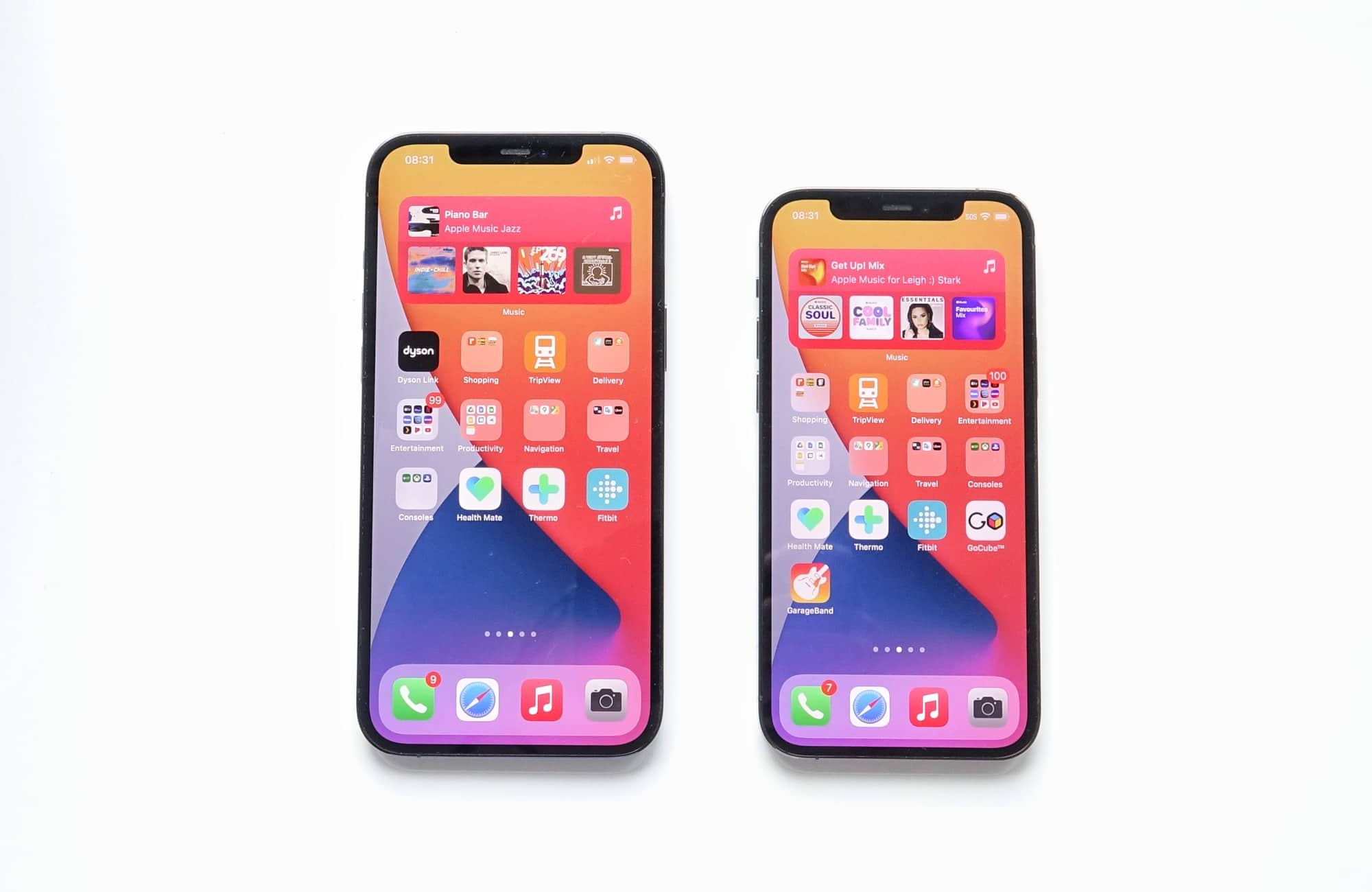 The difference in size between the iPhone 12 Pro Max (left) and the iPhone 12 Pro (right)