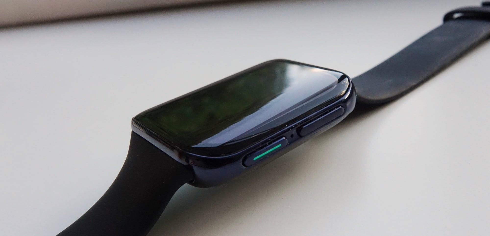 The side of the Oppo Watch