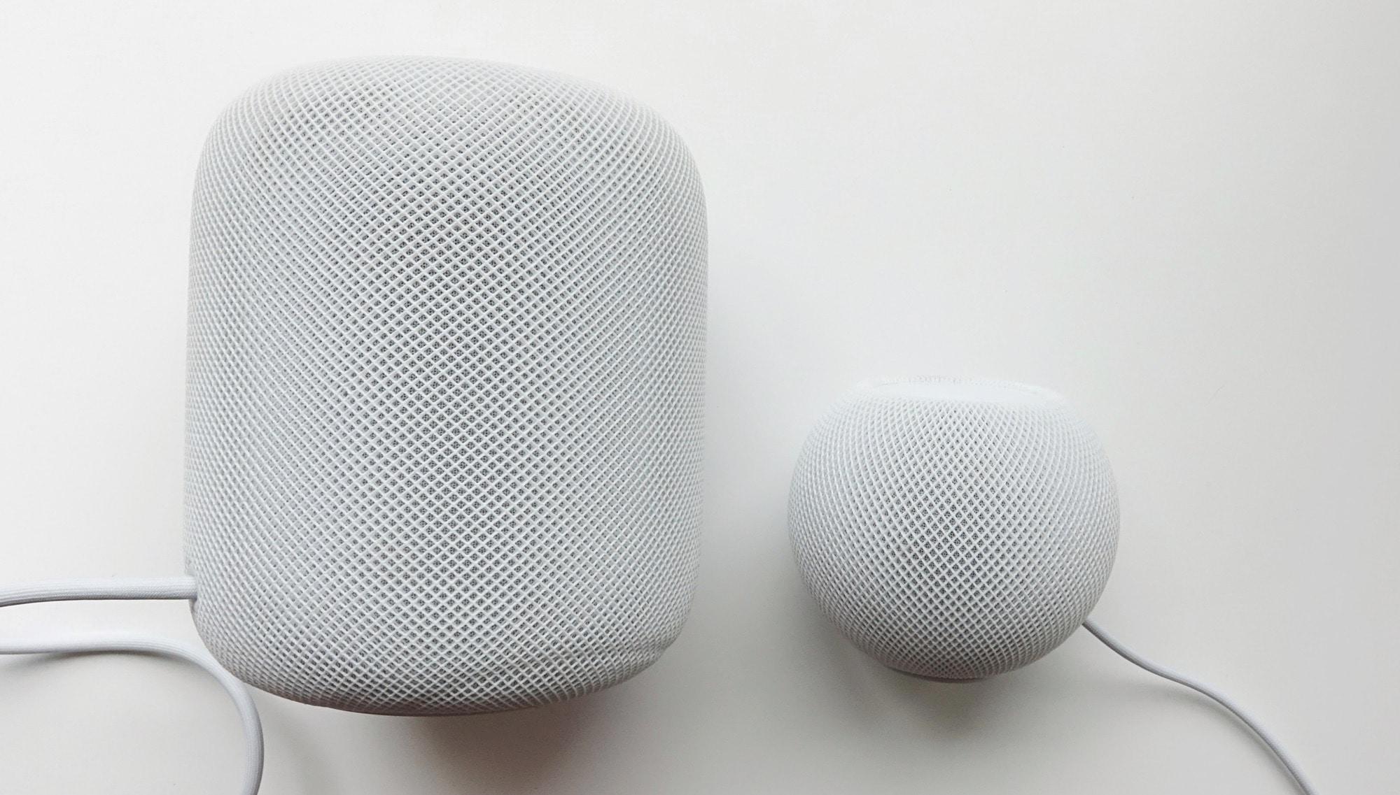 HomePod (left) vs HomePod Mini (right)