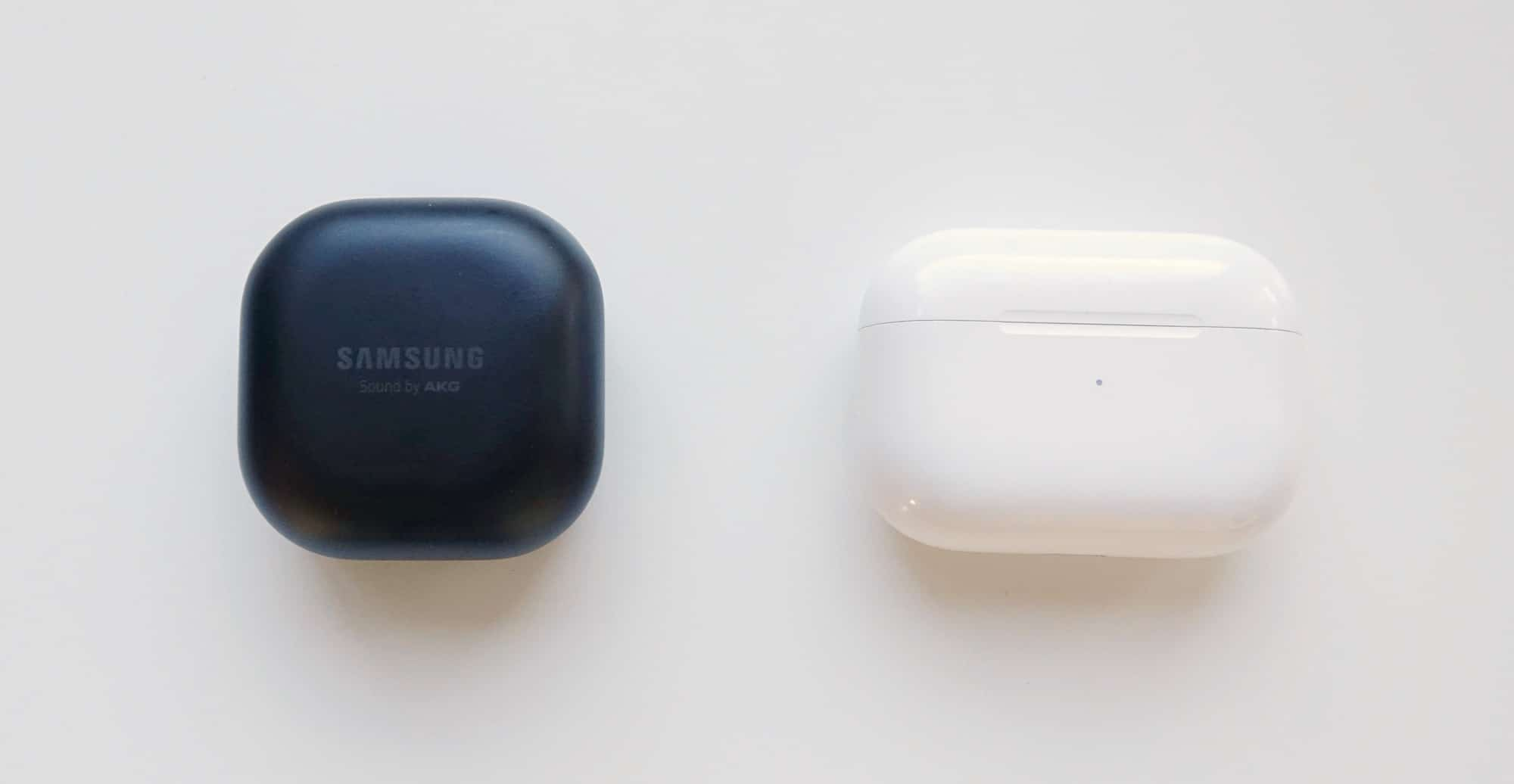 Samsung Galaxy Buds Pro (left) vs Apple AirPods Pro (right)