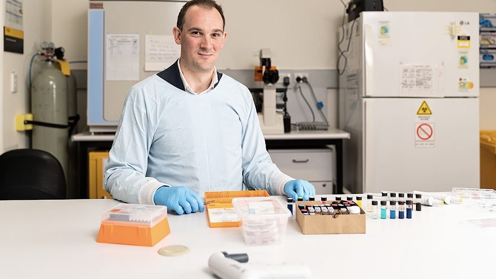 Dr Matthew Griffith and his revolutionary artificial retina. Credit: University of Sydney