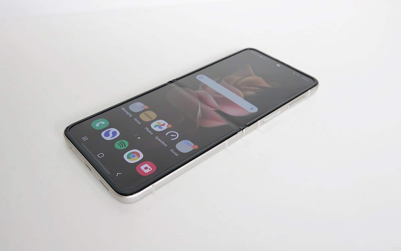 Samsung Galaxy Z Flip3 reviewed