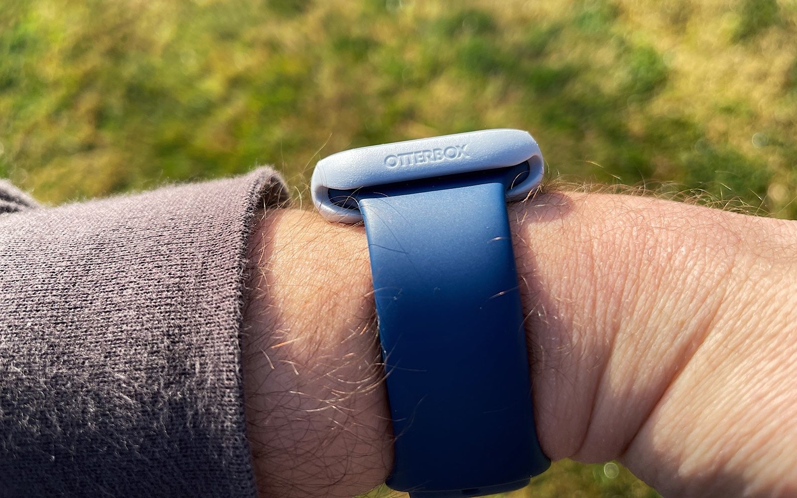 Otterbox's Exo Edge around the Apple Watch Series 6 44mm