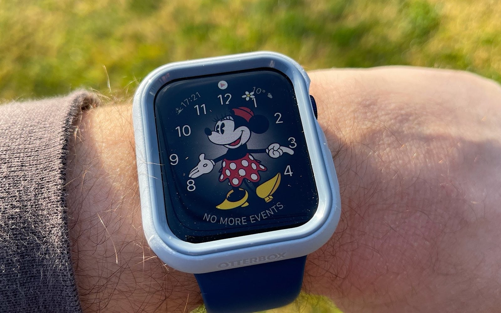 Wearing the Otterbox Exo Edge on a 44mm Apple Watch Series 6