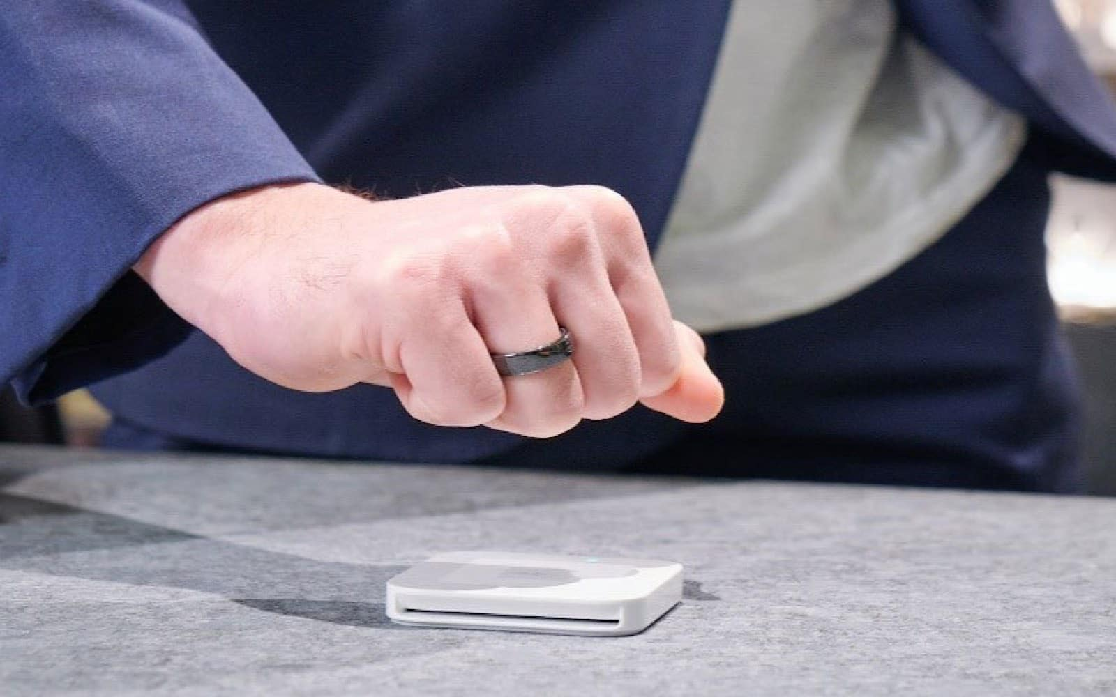 Paying with Evering's NFC payment ring