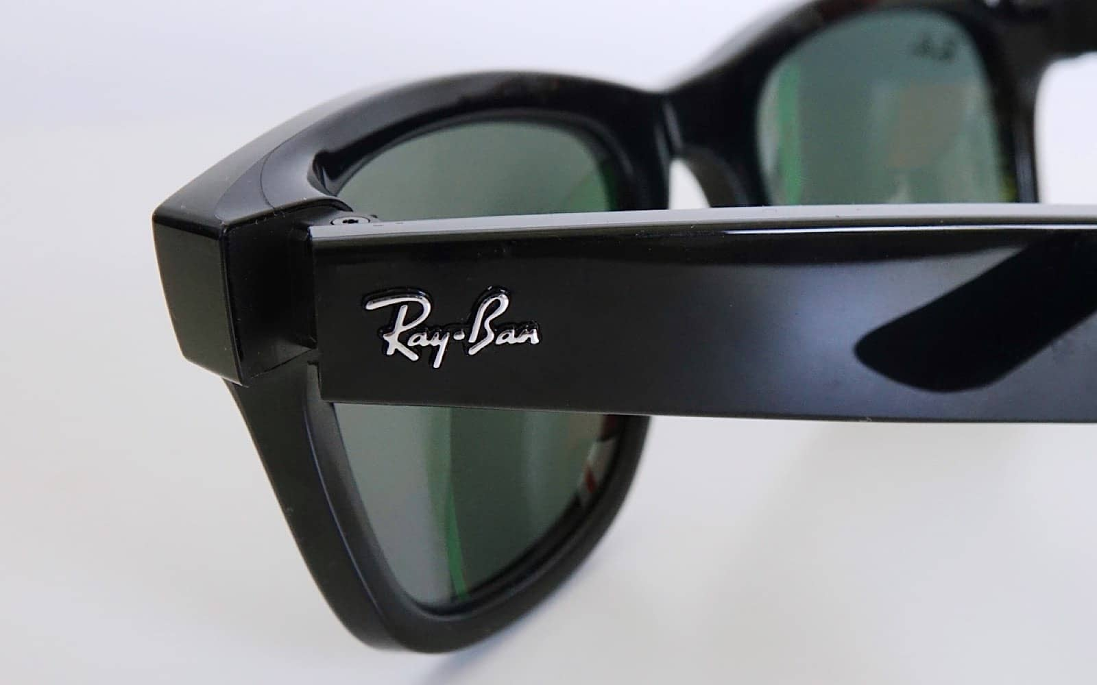 """The """"Ray-Ban"""" logo on the Facebook Ray-Ban Stories smartglasses tells you these are real glasses, not just a knock-off by another brand."""